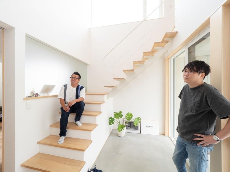 左はオーナーのKさん。右は笠井啓介さん